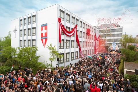 Erste Ideale Scientology Kirche der Schweiz eröffnet
